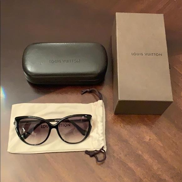 4987b41427 Louis Vuitton Accessories